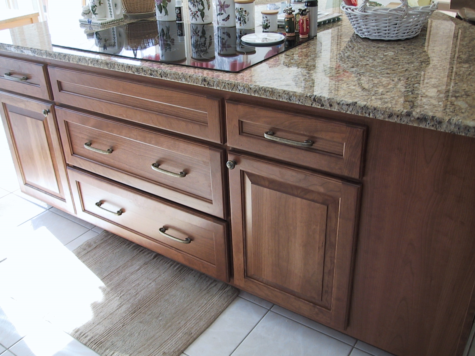Attrayant Granite Counters Refaced Cabinets