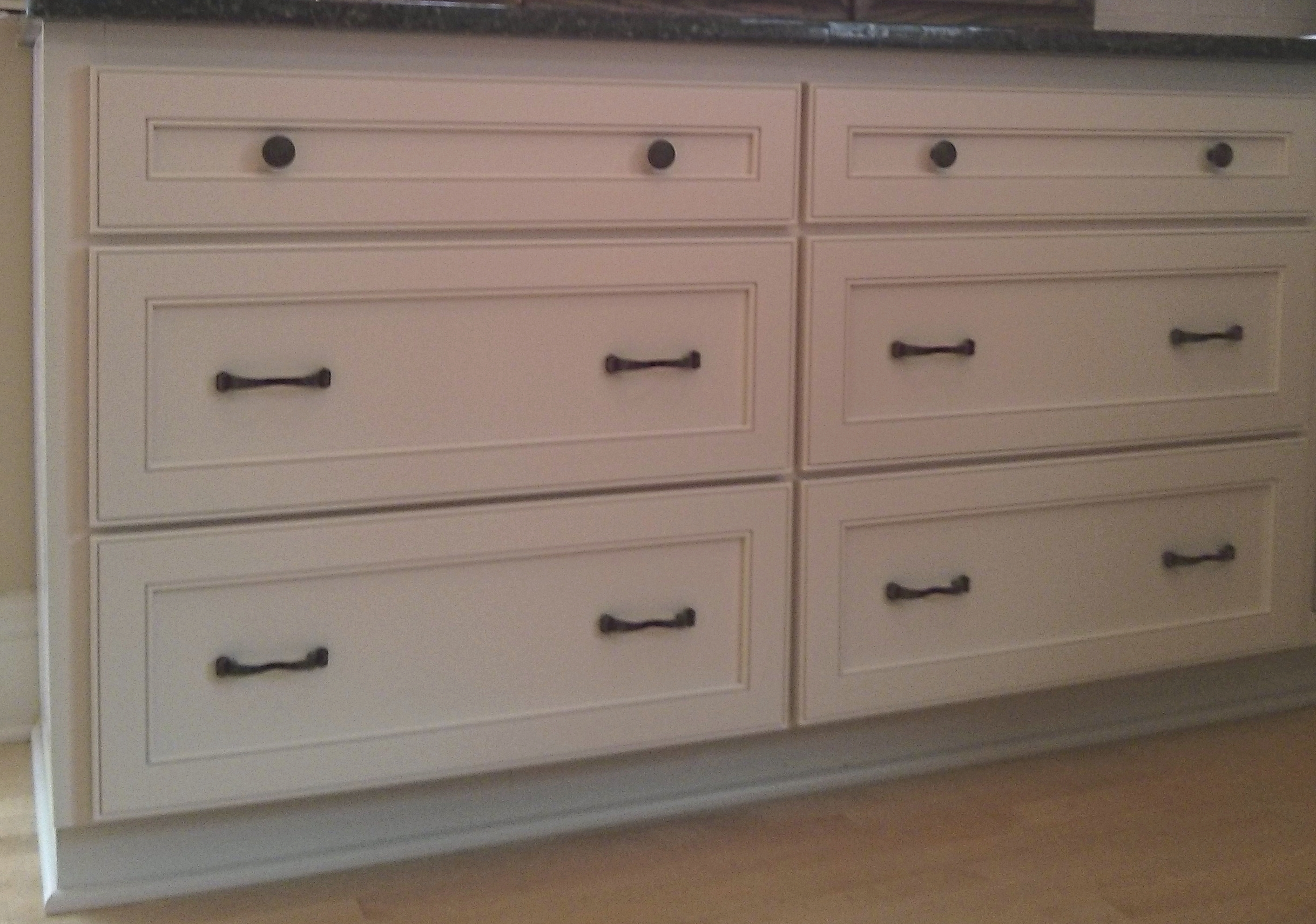 Cabinet refacing in downers grove il kitchen craftsman for Base kitchen cabinets without drawers